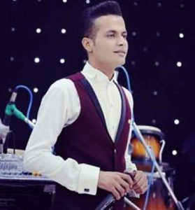 Danial Hoshyari   SarbAZI 279x300 - دانلود آهنگ غمگین وَ من او پادگان تنها ایشینُم از  دانیال هوشیاری
