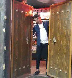 Saeed kaimi   JomeZard Jonom 279x300 - دانلود آهنگ ارگی جومه زرد جونم از  سعید کریمی